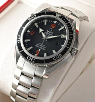 une montre pour un futur trentenaire (Tudor sub, omega..) D8lux_10