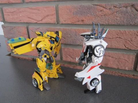Vos montages photos Transformers ― Vos Batailles/Guerres | Humoristiques | Vos modes Stealth Force | etc - Page 3 Img_0610