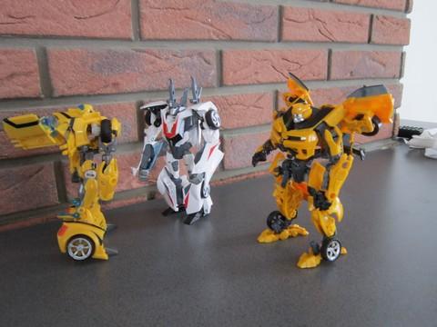 Vos montages photos Transformers ― Vos Batailles/Guerres | Humoristiques | Vos modes Stealth Force | etc - Page 3 Img_0611