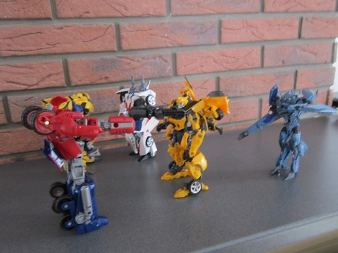 Vos montages photos Transformers ― Vos Batailles/Guerres | Humoristiques | Vos modes Stealth Force | etc - Page 3 Img_0614