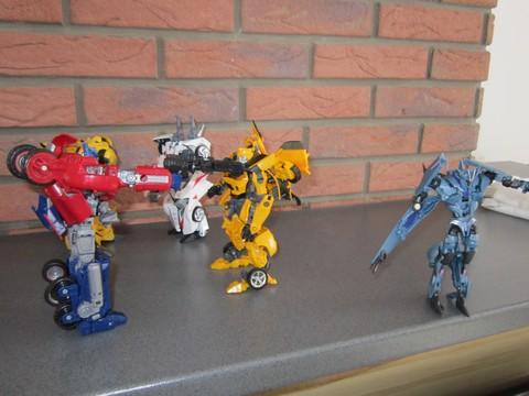 Vos montages photos Transformers ― Vos Batailles/Guerres | Humoristiques | Vos modes Stealth Force | etc - Page 3 Img_0615
