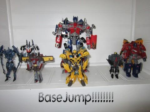 Vos montages photos Transformers ― Vos Batailles/Guerres | Humoristiques | Vos modes Stealth Force | etc - Page 3 Img_0620
