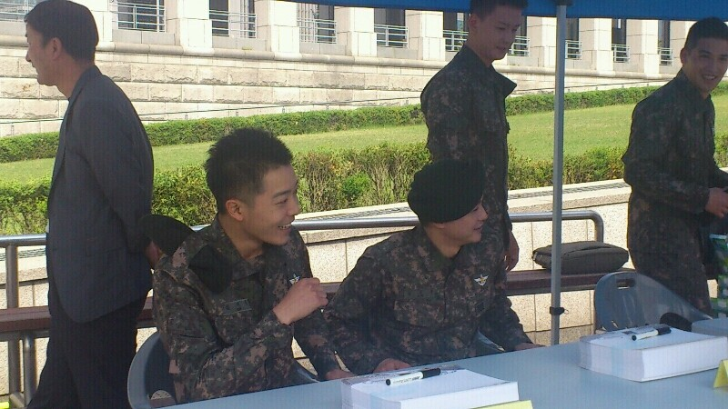 In the military - Tin tức về anh Hwan trong thời gian nhập ngũ 29381f10
