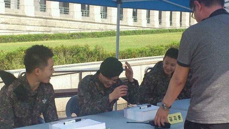 In the military - Tin tức về anh Hwan trong thời gian nhập ngũ B8389b10