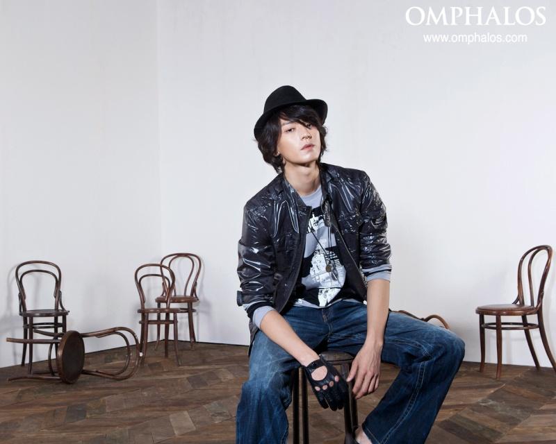 Emphalos (2008 - với Lee Min Jung) Img_1713