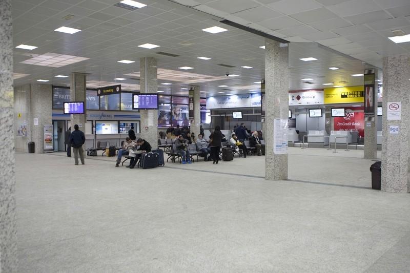 Airport Prishtina (Foto) 2010