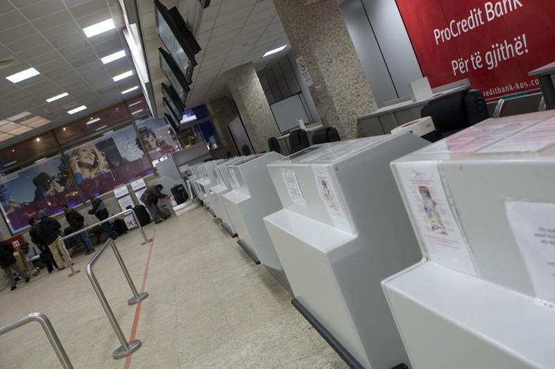 Airport Prishtina (Foto) 2210