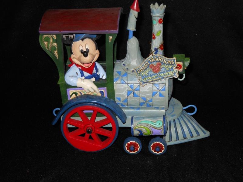 Disney Traditions by Jim Shore - Enesco (depuis 2006) - Page 3 Dscn0410