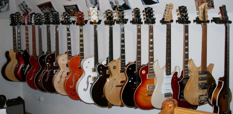 Photos de famille... Guitar11