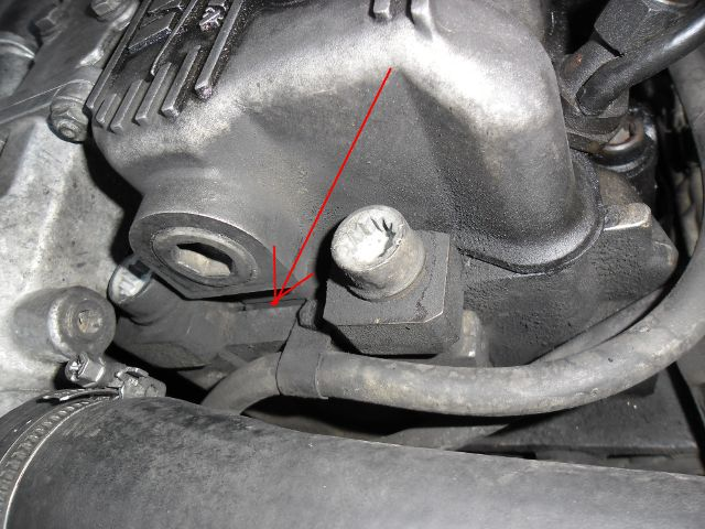 Bruit de fuite à chaque tour de moteur Sam_0210