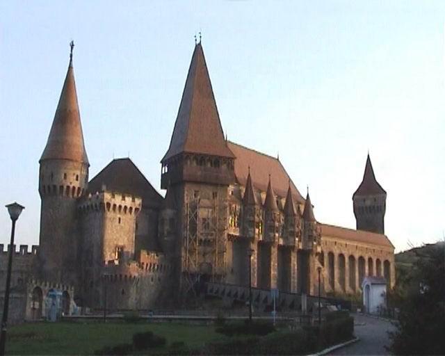 Monumente din ROMÂNIA! Hunyad10