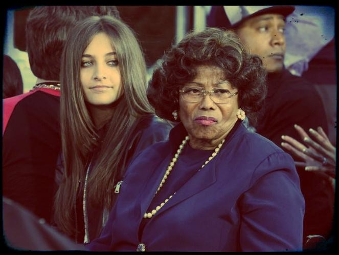 """Minha avó está desaparecida"" - Paris Jackson Sem_ta27"