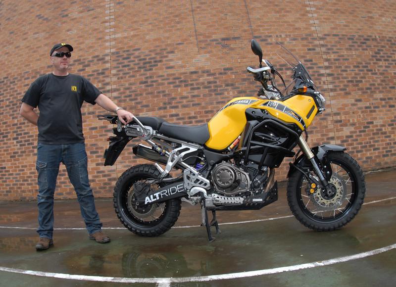 Vu au salon de la moto de Milan ce weekend Yellow11