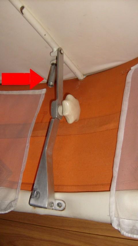 crochet de maintien à ressort pour toit relevable ABSENT S6301116