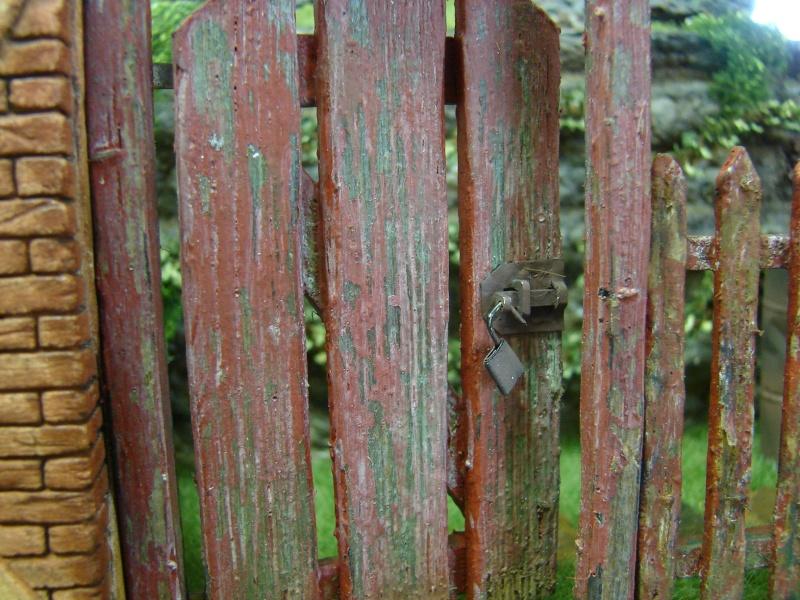 Alter verlassener Vorgarten mit großer Stützmauer - Seite 2 Dsc04718