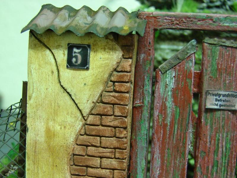 Alter verlassener Vorgarten mit großer Stützmauer - Seite 2 Dsc04726