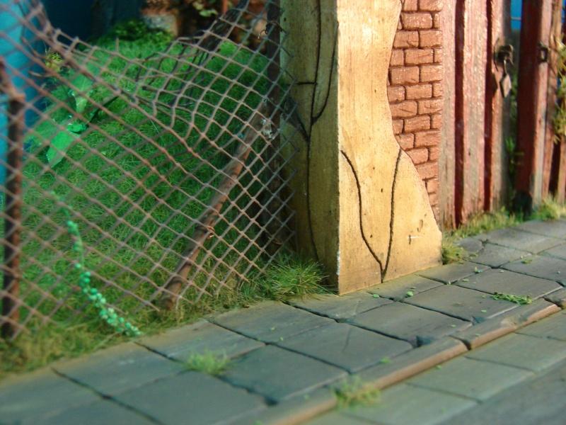 Vorgarten mit altem Zaun und Stützmauer Dsc04819