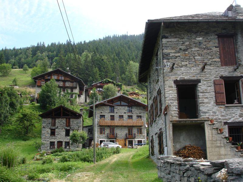 À la découverte des villages de Montvalezan Dsc05835