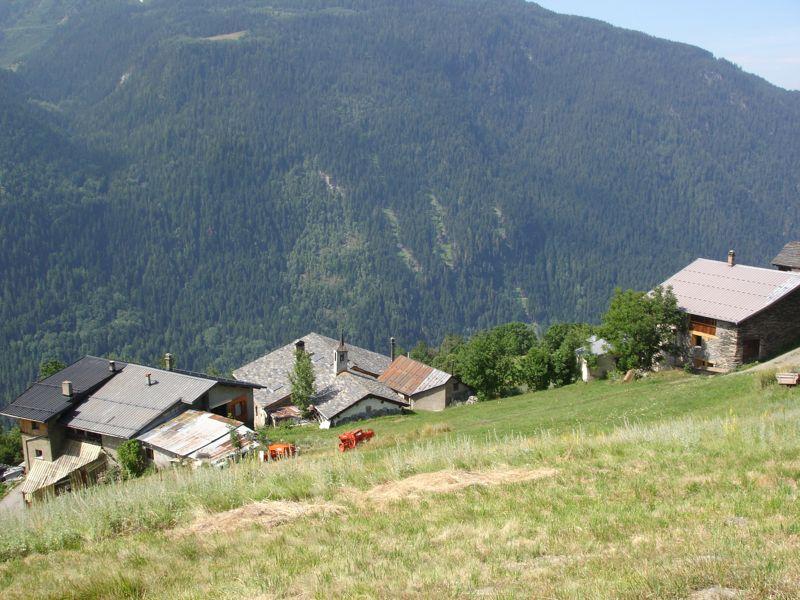 À la découverte des villages de Montvalezan Dsc05840