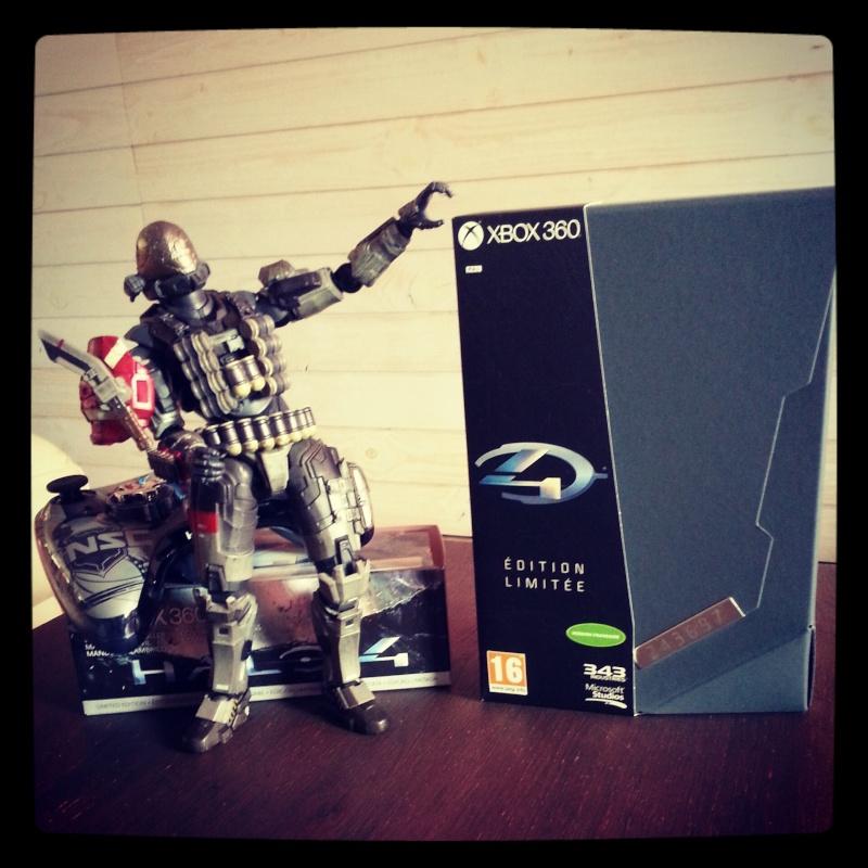 Photo de votre coffret Halo 4 Edition Collector Img_2011