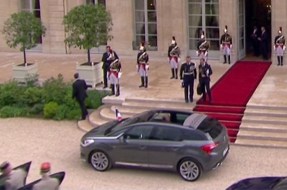 [EVENEMENT] La DS 5, voiture présidentielle - Page 5 Vlcsna10