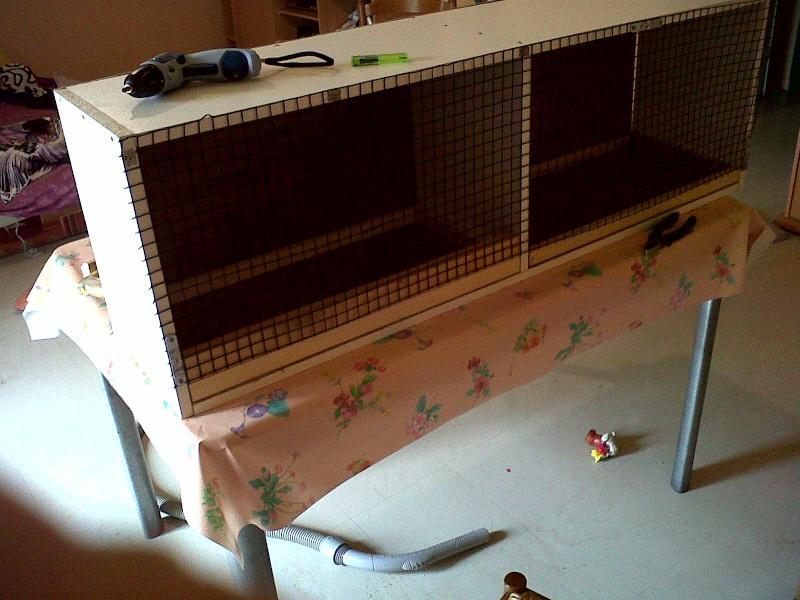 cage d 'élevage en fabrication Img00023