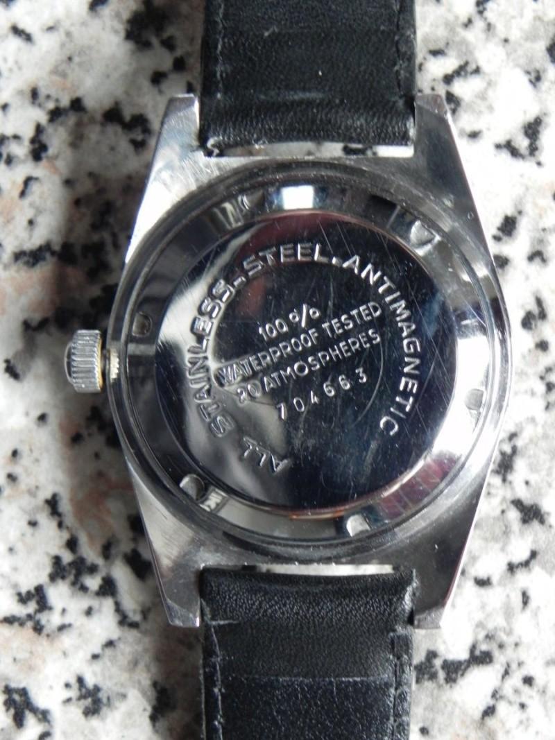 Jaeger -  [Le TOPIC des demandes d'IDENTIFICATION et RENSEIGNEMENTS de montres est ICI] - Page 39 Dscn3215