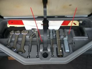 [BMW 750 il E32] Trousse à outils Outils11