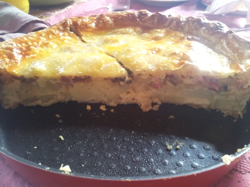 Tourte aux pommes de terre , lardons et champignons 20121111
