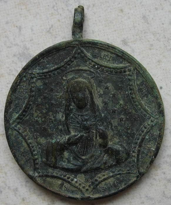 Medaille ronde Jésus/Marie - Portraits dans décor hexagonal - fin XIXème Img_2816
