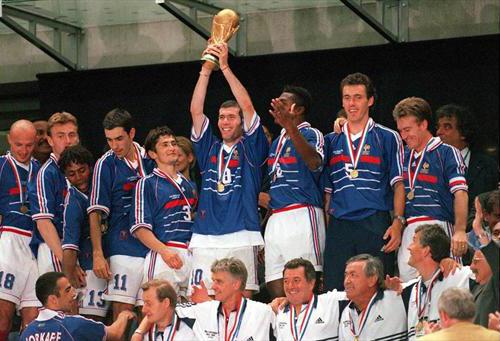 [Actu/Débat] L'Equipe de France  - Page 5 France10