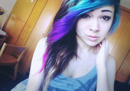 Ces couleurs de cheveux improbables qu'on aime - Page 3 30703110