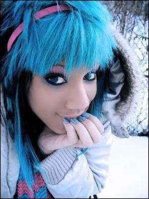 Ces couleurs de cheveux improbables qu'on aime - Page 3 30868110