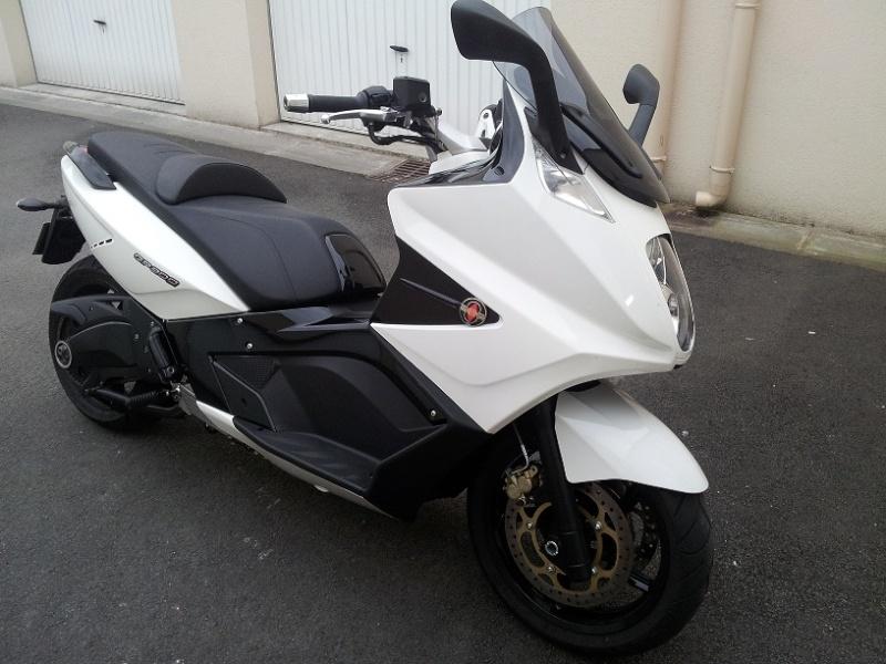 enfin il est là !! GP 800 White 20120614