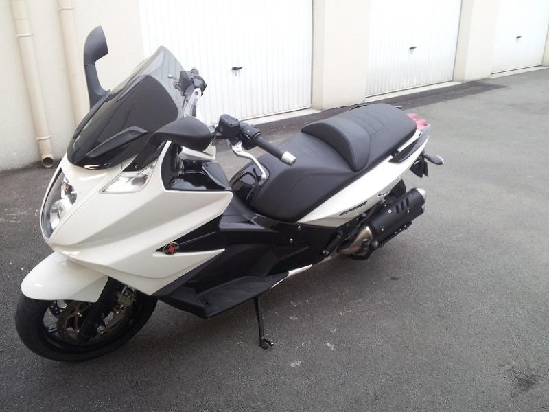 enfin il est là !! GP 800 White 20120615
