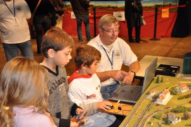 reseau train piloté par ordinateur Montel10