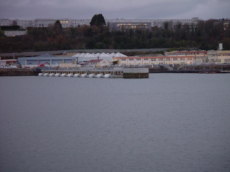 [Les ports militaires de métropole] Port de Brest - Page 39 Tvl_ml18