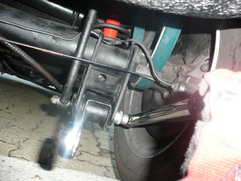 Comment changer amortisseurs et ressorts arrières (Spider) P1060246