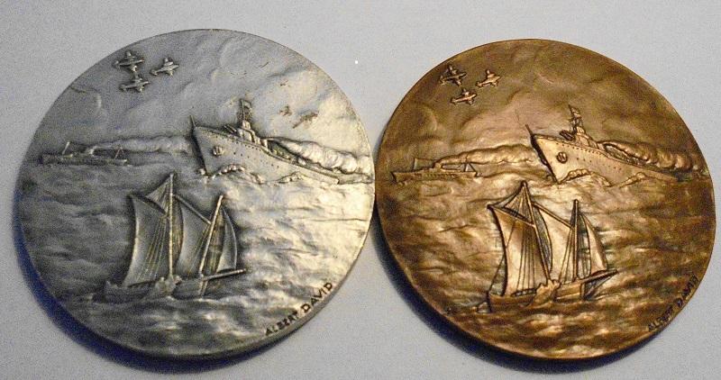 [ Associations anciens Marins ]deux médailles de la FAMMAC Dsc00110
