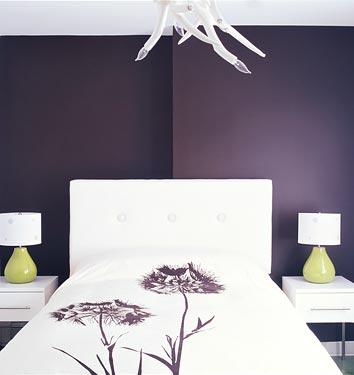 Chambre parentale associations de couleurs aubergine/gris Coco1110