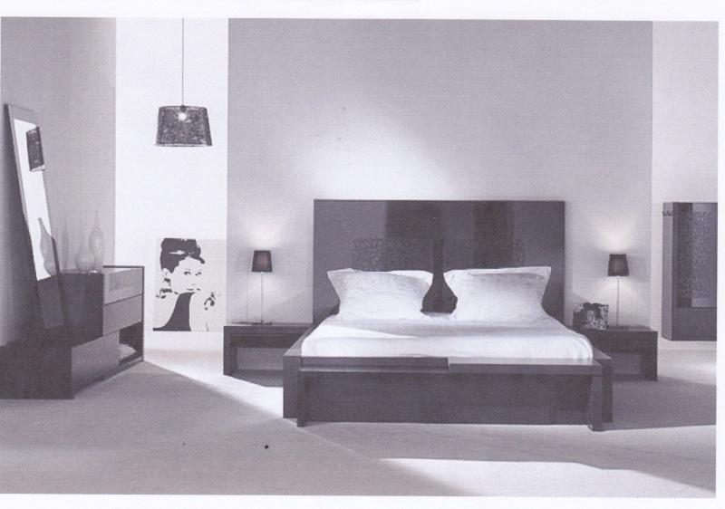 chambre parentale associations de couleurs aubergine gris. Black Bedroom Furniture Sets. Home Design Ideas