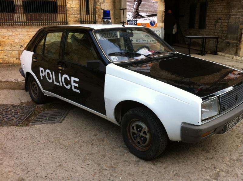 Vu pour les 50 ans du CNT... Font moins peur que les mégane RS gendarmerie d'aujourd'hui.... 00410