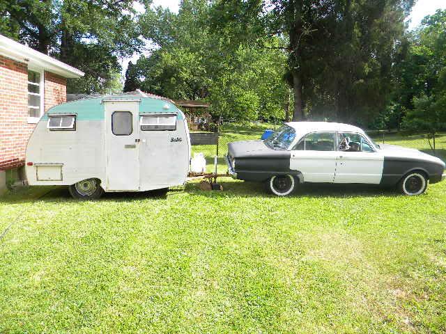 Auto + Caravane 001-410