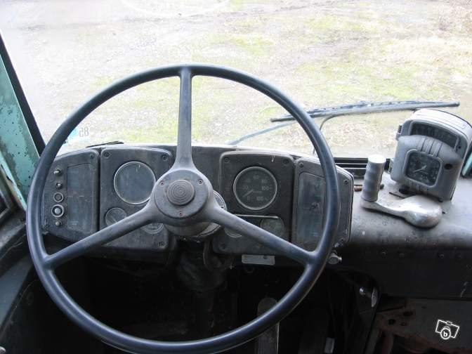 Autobus retro 02108310