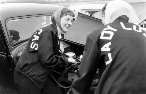 1950's & 1960's hot rod / custom car club 417a4410