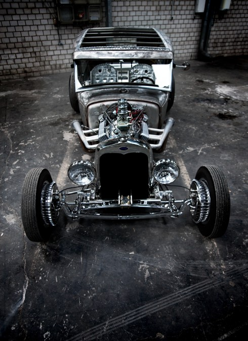 1930 Ford hot rod 490x6710