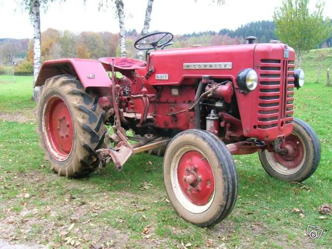 Tracteurs agricoles et véhicules de chantier 52120810