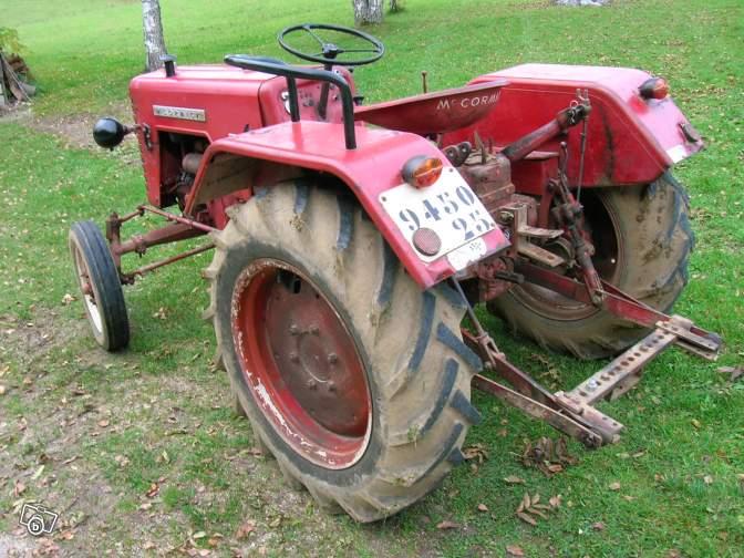 Tracteurs agricoles et véhicules de chantier 52520810