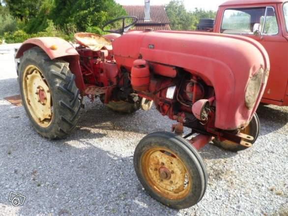 Tracteurs agricoles et véhicules de chantier 57221311