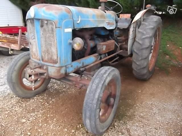 Tracteurs agricoles et véhicules de chantier 73122910